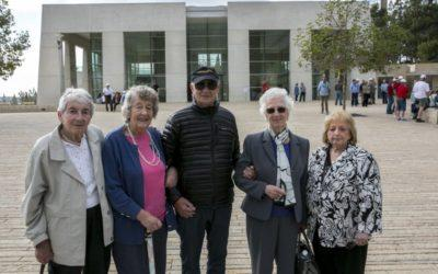 In Israel, famed pre-WWII ship survivors relate to refugees